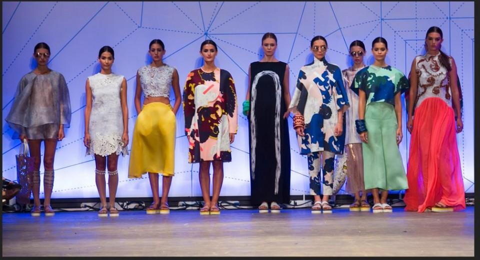 צביעת בדים לתצוגת אופנה של בוגרת שנקר אנה קוסיצ'נקו